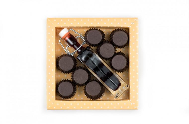 Čokoladni kozarčki in refoškov liker